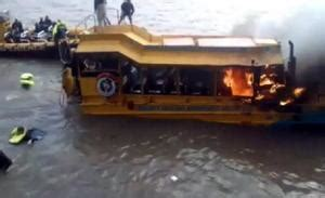 london thames river duck boat fire passengers jumped into thames from london duck tours fire