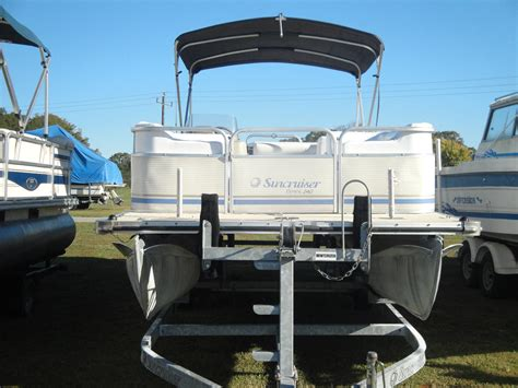 suncruiser pontoon boats lowe suncruiser trinidad 240 boat for sale from usa