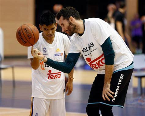 fotos real madrid baloncesto los alumnos de la fundaci 243 n comparten una jornada con los