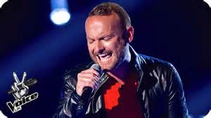 chandelier the voice kevin simm performs chandelier the voice uk 2016