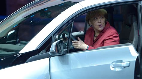 Angela Merkel Auto by Autocracy Germany S Merkel Fights Corruption Accusations