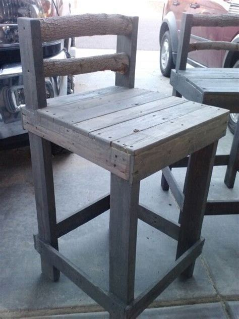 Pallet Bar Stools by Pallet Bar Stool Great Design