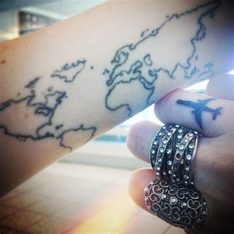 finger tattoo airplane airplane hand finger tattoo map tatoo travel tattoo
