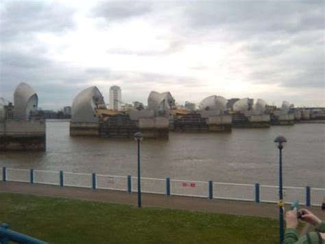 thames barrier movie thames barrier 4 picture of the thames barrier london