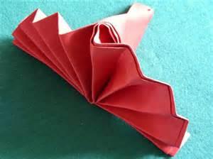 serviette napkin folding simple standing fan recipe