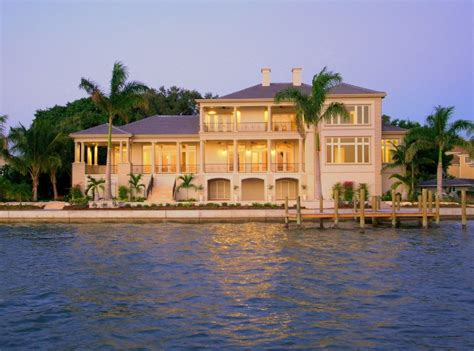 related keywords suggestions for luxury waterfront homes