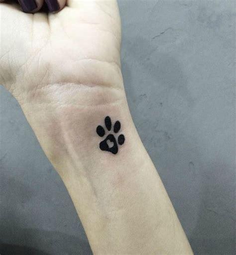 minimalist yorkie tattoo mejores 44 im 225 genes de yorkie outline tattoo en pinterest