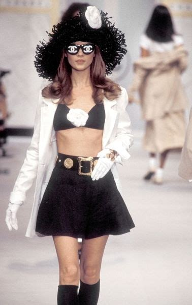 Catwalk To Sidewalk Kate Moss In Chanel by 181 Best Chanel 80s 90s Images On