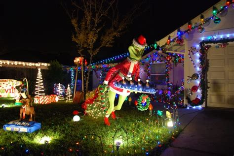 15 incredible houses decorated for christmas whoville 15 divertidas decoraciones navide 241 as