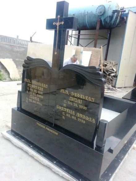 mormant granit model  monumente funerare marmura granit