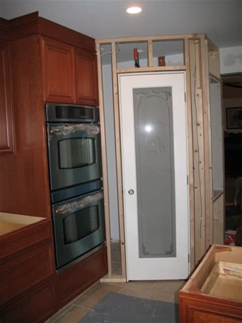 Pantry Door Sizes by What Size Should A Step In Corner Pantry Be