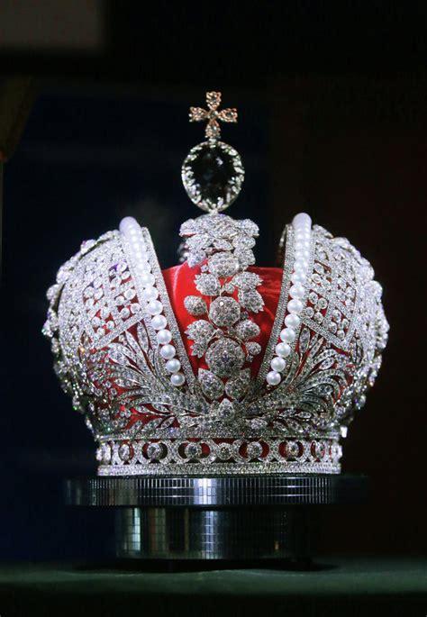couronne ottomane pr 233 sentation d une r 233 plique de la couronne imp 233 riale de