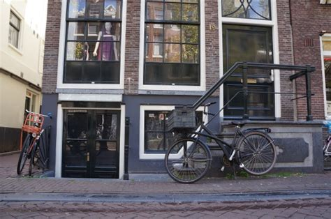 amsterdam light district brothels amsterdam sanctions new brothel to be run by workers
