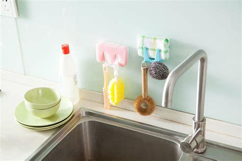 Sikat Pembersih Toilet Curve Shape rak mini gantungan peralatan dapur green jakartanotebook
