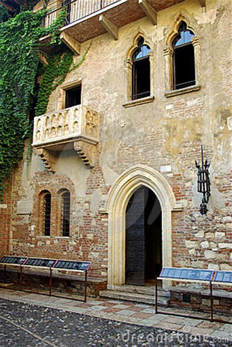 juliets house verona italy royalty  stock