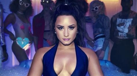 demi lovato sorry not sorry download musicpleer demi lovato drops new anthem sorry not sorry listen to