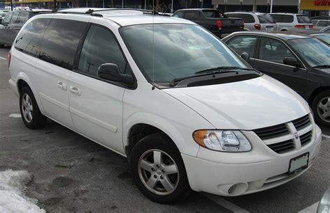 file 2005 2007 dodge grand caravan jpg wikimedia commons