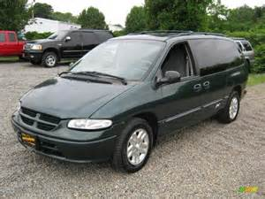 1997 forest green pearl dodge grand caravan se 31392198