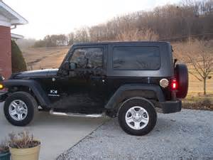 black jeep wrangler 2 door