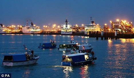 boat trailer in french french fishermen lift blockade of channel ports but eu