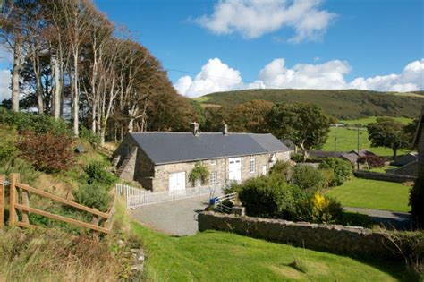 Cottages With Swimming Pools In Wales by Cottages With A Swimming Pool In Wales With