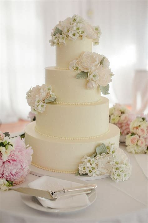 370 best Wedding Cakes images on Pinterest   Sugar flowers