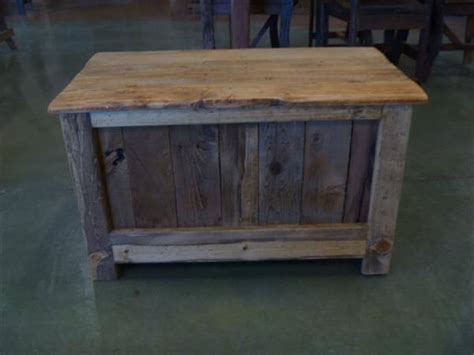 Reclaimed Pallet Furniture by Reclaimed Pallet Wood Chest Pallet Furniture Diy