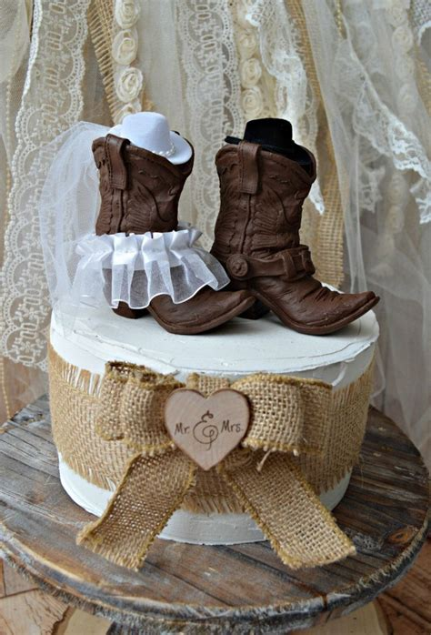 Cowboy Boots Cake Decorations by 15 Must See Cowboy Boot Cake Pins Western Crafts Cowboy
