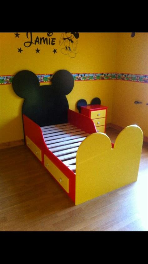 mickey mouse toddler bedroom 25 best mickey mouse room ideas on pinterest