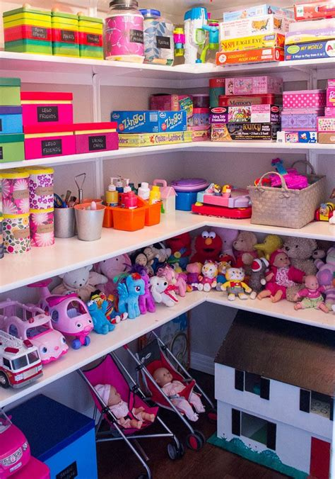 toy organizer ideas 25 best ideas about toy closet organization on pinterest