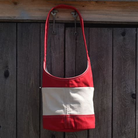 the valley cove bag with white thread sailsmith