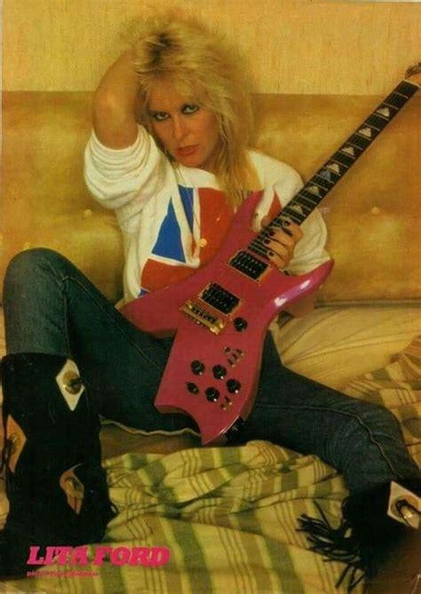 queen  heavy metal  portrait    young