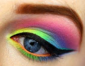 colorful eye makeup probably could never wear this look but its gorgeous