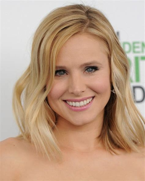 kristen bell medium straight cut edgy chic kristen bell kristen bell medium wavy cut kristen bell hair looks