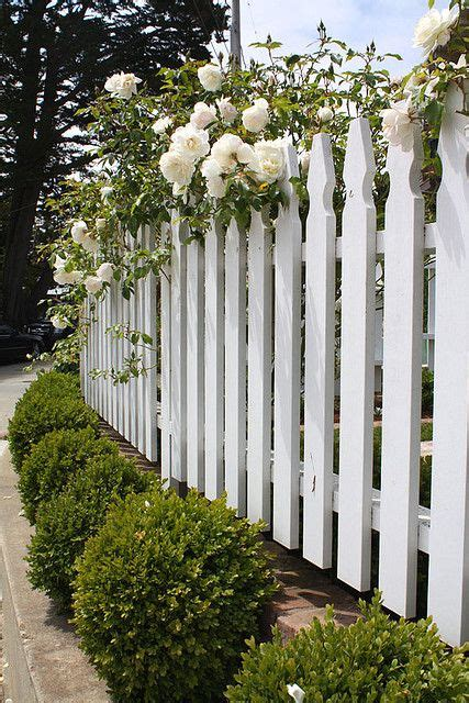 beach cottage fence there s no place like home pinterest