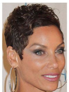 nicole mitchell short curly hairstyle for black women nicole murphy short hair short curly hairstyle
