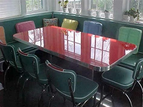 Trebach's Custom Booth Table