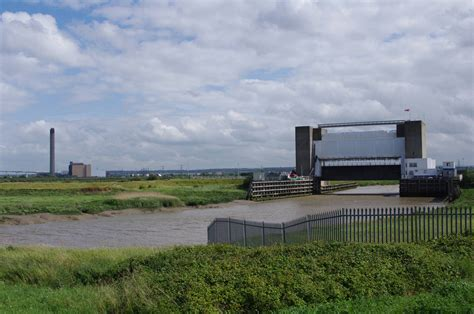 thames barrier extension thames path national trail stage 13