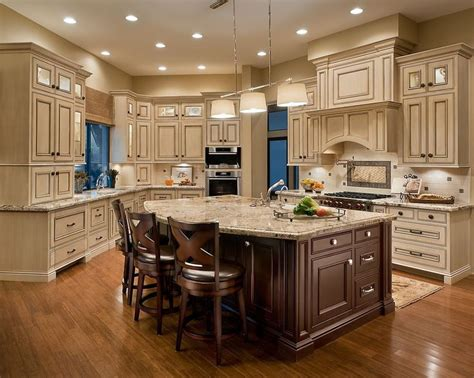 pictures of kitchens with cream cabinets best 25 cream colored kitchens ideas on pinterest