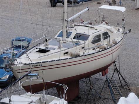 yacht  sailboat sail boat pilot house sloop cooper