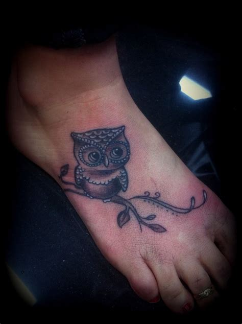 tattoo designs for female foot corner foot owl tattoos picture