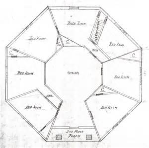 octagonal homes plans octagon houses octagon floor plan 1000 ideas about octagon house on pinterest round house