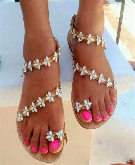 pin by gabriella wilson on shoes shoes more shoes chaussure sandales and soulier