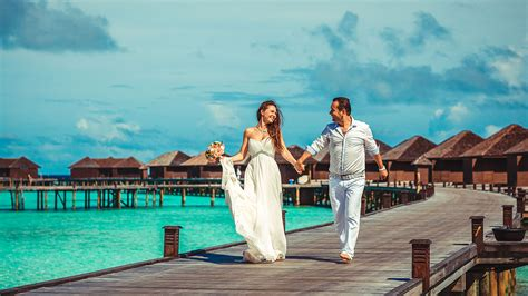 12 Engaged Wedding Honeymoon Ceremony Maldives Honeymoon Honeymoon Maldives
