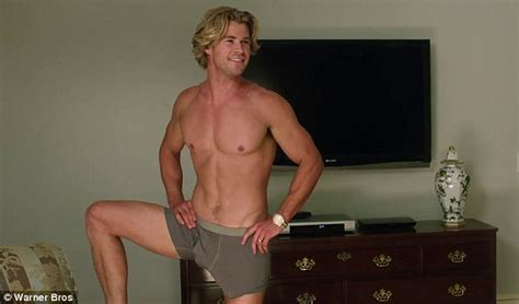 big ripped actors chris hemsworth shows off ripped abs and bulge in vacation