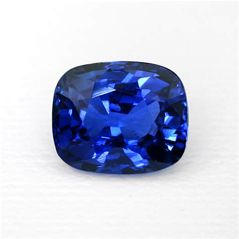 determining the value of colored gemstones