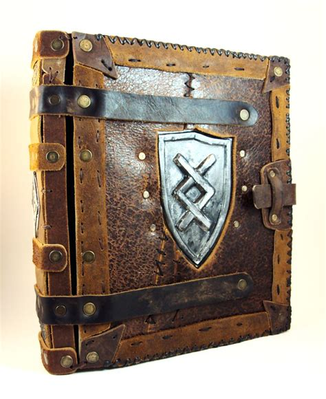 Handmade Grimoire - pin by millecuirs on antique book replicas