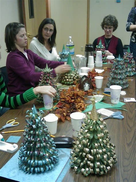 group christmas crafts project paper curl tree the mops crafts