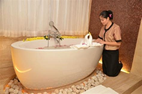 hotels in hyderabad with bathtub bath tub in spa picture of the golkonda resorts spa