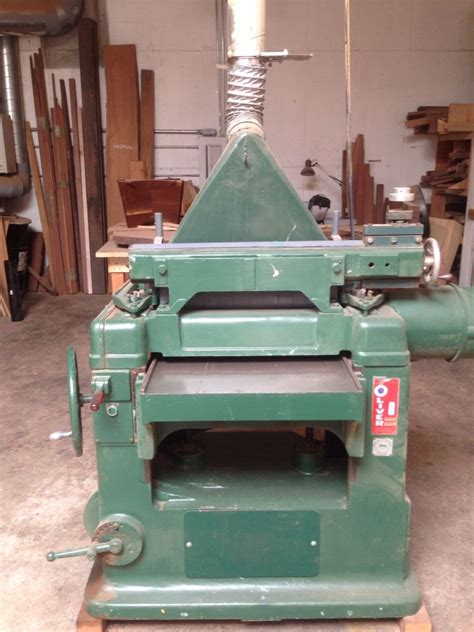oliver thickness planer  built solid cast iron